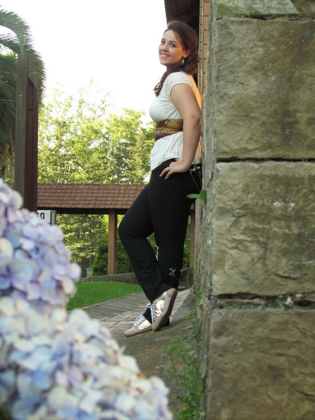 "Blogueira mafrense destaca beleza e estilo em ""desafio"" nacional ... 504a70af53"