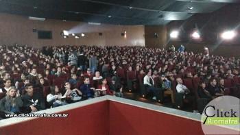 Público lota o Cineplus Emacite na estreia de Velozes e Furiosos 8 (4)