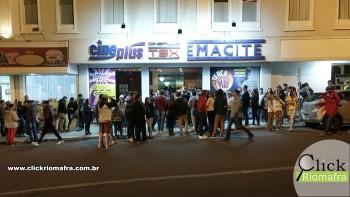 Público lota o Cineplus Emacite para curtir Velozes e Furiosos 8 (1)