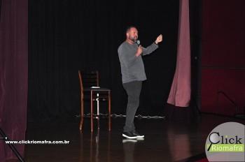 Cineplus Emacite inicia shows de comédia stand-up (20)