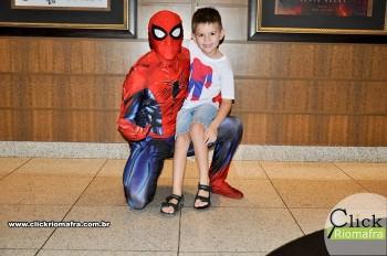 Homem-Aranha visita o Cineplus Emacite; público pode tirar fotos a vontade (14)