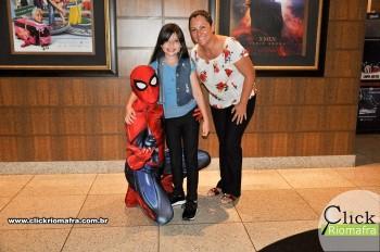 Homem-Aranha visita o Cineplus Emacite; público pode tirar fotos a vontade (15)