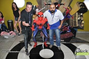 Homem-Aranha visita o Cineplus Emacite; público pode tirar fotos a vontade (18)