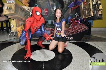 Homem-Aranha visita o Cineplus Emacite; público pode tirar fotos a vontade (27)