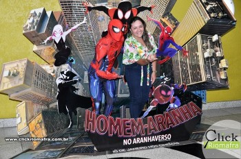 Homem-Aranha visita o Cineplus Emacite; público pode tirar fotos a vontade (3)