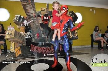 Homem-Aranha visita o Cineplus Emacite; público pode tirar fotos a vontade (33)