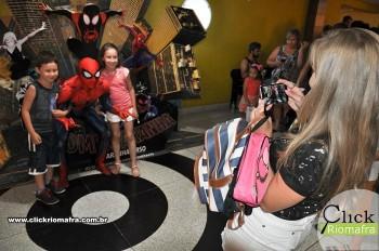 Homem-Aranha visita o Cineplus Emacite; público pode tirar fotos a vontade (40)