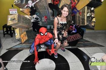 Homem-Aranha visita o Cineplus Emacite; público pode tirar fotos a vontade (48)