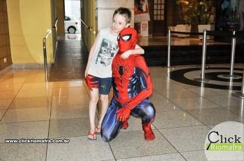 Homem-Aranha visita o Cineplus Emacite; público pode tirar fotos a vontade (5)