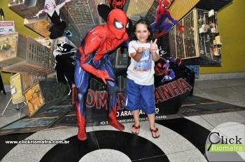 Homem-Aranha visita o Cineplus Emacite; público pode tirar fotos a vontade (53)