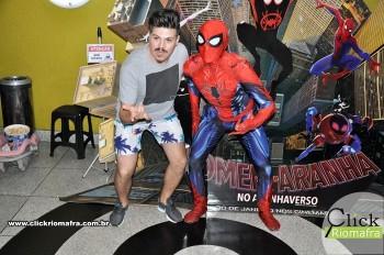 Homem-Aranha visita o Cineplus Emacite; público pode tirar fotos a vontade (54)