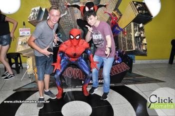 Homem-Aranha visita o Cineplus Emacite; público pode tirar fotos a vontade (59)