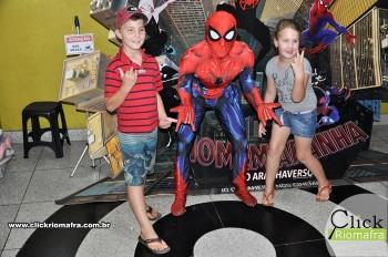 Homem-Aranha visita o Cineplus Emacite; público pode tirar fotos a vontade (60)
