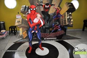 Homem-Aranha visita o Cineplus Emacite; público pode tirar fotos a vontade (63)