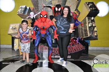 Fotos com o Homem-Aranha visita no Cineplus Emacite Dia 02 (9)