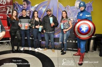 Distribuidora de Bebidas Pampas leva personagens do filme Vingadores ao Cineplus Emacite (1)