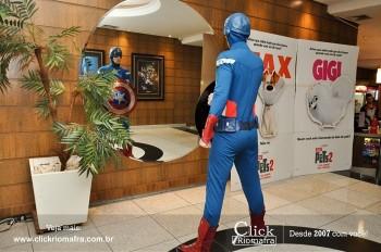 Distribuidora de Bebidas Pampas leva personagens do filme Vingadores ao Cineplus Emacite (108)