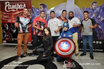 Distribuidora de Bebidas Pampas leva personagens do filme Vingadores ao Cineplus Emacite (110)