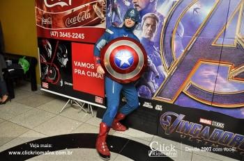 Distribuidora de Bebidas Pampas leva personagens do filme Vingadores ao Cineplus Emacite (125)