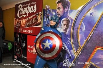 Distribuidora de Bebidas Pampas leva personagens do filme Vingadores ao Cineplus Emacite (126)