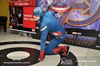 Distribuidora de Bebidas Pampas leva personagens do filme Vingadores ao Cineplus Emacite (134)