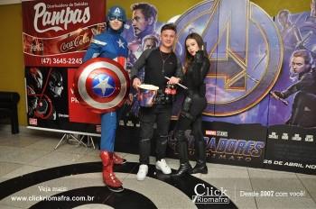 Distribuidora de Bebidas Pampas leva personagens do filme Vingadores ao Cineplus Emacite (153)
