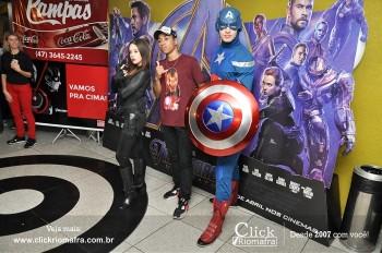 Distribuidora de Bebidas Pampas leva personagens do filme Vingadores ao Cineplus Emacite (34)