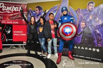 Distribuidora de Bebidas Pampas leva personagens do filme Vingadores ao Cineplus Emacite (38)