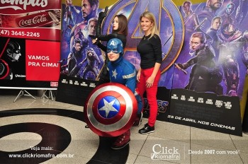 Distribuidora de Bebidas Pampas leva personagens do filme Vingadores ao Cineplus Emacite (40)