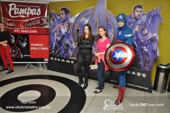 Distribuidora de Bebidas Pampas leva personagens do filme Vingadores ao Cineplus Emacite (45)