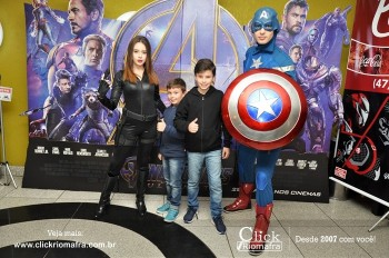 Distribuidora de Bebidas Pampas leva personagens do filme Vingadores ao Cineplus Emacite (6)