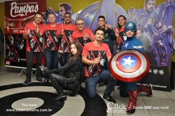 Distribuidora de Bebidas Pampas leva personagens do filme Vingadores ao Cineplus Emacite (73)