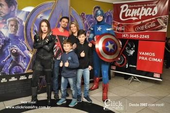 Distribuidora de Bebidas Pampas leva personagens do filme Vingadores ao Cineplus Emacite (8)