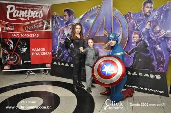 Distribuidora de Bebidas Pampas leva personagens do filme Vingadores ao Cineplus Emacite (9)