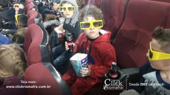 Alunos da escola Olavo Bilac visitam o Cineplus Emacite (8)