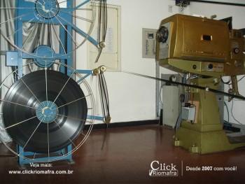 Antigo projetor do Cine Emacite. Foi utilizado até meados de 2013