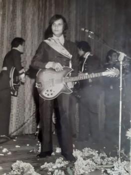 O cantor Roberto Carlos já esteve em Mafra para um show no Cine Emacite. O evento ocorreu em meados de 1967. A foto é de Maria Teresinha Sewczuk.