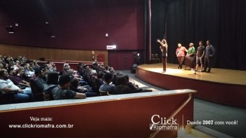 Público lota o Cineplus Emacite para o Show de Humor #Pobrice - Click Riomafra (20)