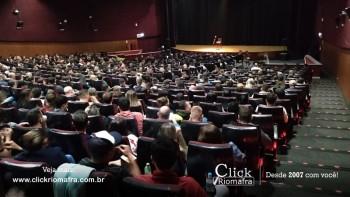 Público lota o Cineplus Emacite para o Show de Humor #Pobrice - Click Riomafra (25)