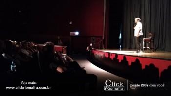 Público lota o Cineplus Emacite para o Show de Humor #Pobrice - Click Riomafra (4)
