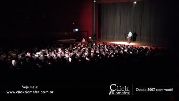 Público lota o Cineplus Emacite para o Show de Humor #Pobrice - Click Riomafra (5)