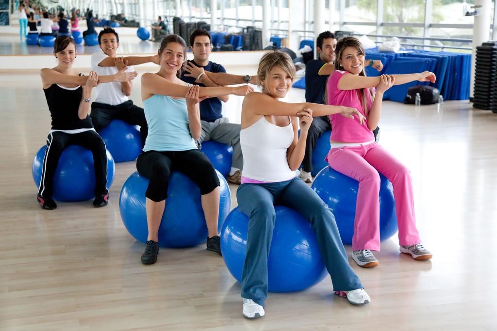 Os exercícios de Pilates fortalecem os músculos, reeducam os movimentos e a postura; devem ser praticados sob correta orientação. Atualmente, é uma das práticas mais procuradas nas academias / GB Imagem