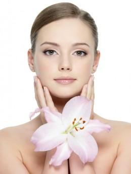 Os ingredientes naturais sempre estiveram presentes nas formulações de cosméticos que tratam a pele de forma completa e inovadora / GB Imagem
