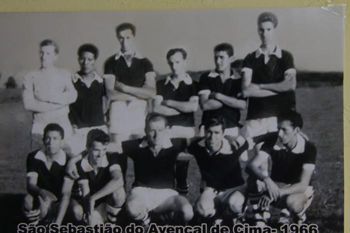 Equipe de 1966, aonde surgiu a extinta equipe do São Sebastião do Avencal de Cima, através de um grupo de amigos. Em pé da esquerda para a direita: Irineu (in-memorian), Orlando (in-memorian), Afonso, Tito (in-memorian), Serpela (in-memorian) e Almir. Agachados: Resende, Luiz, Marvino, Almirzinho e Raulino.